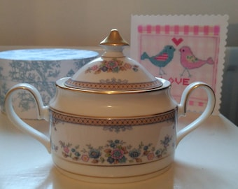 Beautiful vintage Minton lidded sugar bowl Byron (Avonlea) pattern