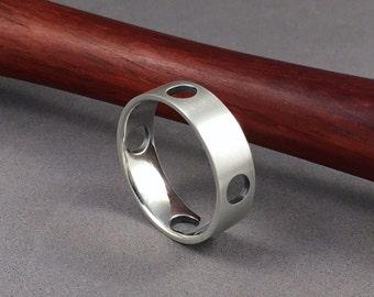 Sterling silber Kreise Ring. vier Löcher-Band-Ring. 12 3 6 9 Uhr. Nord Süd Ost-west. Familie von vier Ring. moderne Band-Ring.