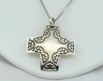 Hand Stamped Vintage Sterling Silver Cross Pendant On A 20 Inch Sterling Silver Box Link Chain! FREE SHIPPING #STAMPED-XP1