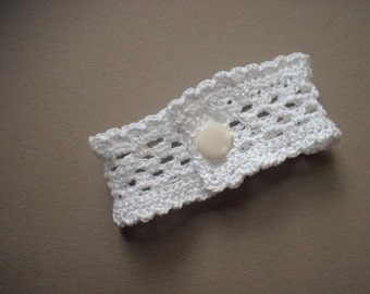 Wristlet no. 63, bright white ruffled lace band with vintage button