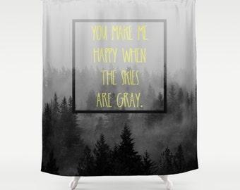 Dusche Vorhang - Berge, Nebel, glücklich, graue PNW, Wohnkultur, Stoff Duschvorhang - Natur-Landschaftsfotografie von RDelean Designs