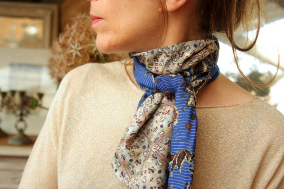 Ascot tie, scarf grey-green-pink blue flowers made of Acetate and Viscose. Bow tie woman