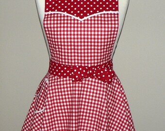 Retro 50s Circle Skirt Apron, Red Gingham apron, sweetheart neckline, flirty pin up apron, made to order (not already sewn) cosplay