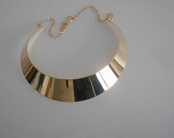 Metal 100 mm x 25 mm gold flat bib necklace