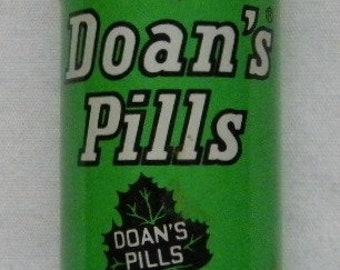 Vintage Doan's Pills Tin -  Vintage Medicine Tin - Pharmaceutical Tin - Drug Store Tin