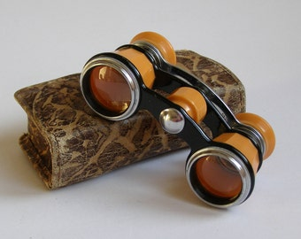Peach color opera glasses. Beige binoculars. Soviet opera. Binoculars. Small leather case. Vintage accessories.
