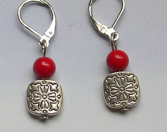 LEVERBACK EARRINGS with a red pierrre and a silver square bead