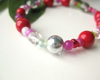 Girls Bracelet, Festive and Colorful Red and Green Beaded Stretch Bracelet, Large Bracelet, GBL 130