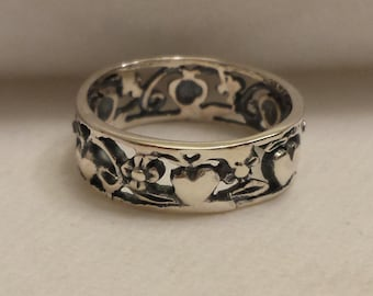 Heart ring, love ring, hearts filigree style ring