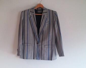 vintage blazer // boyfriend blazer // #pairwithtennies // herringbone suit jacket