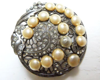 Pearl and  rhinestone brooch or pin vintage in clear rhinestone with silver tone setting circa 1940's costume jewerly