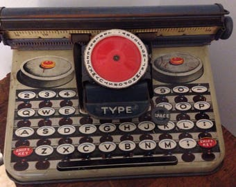 Berwin Superior toy typewriter