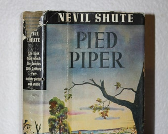 Pied Piper by Nevil Shute 1944 Vintage Books, Antique Books, Green Book, Collectible Book 1940s, Triangle Books