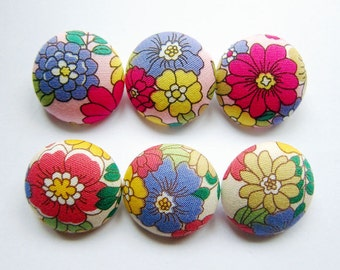 Fabric Covered Buttons - Floral in Spring - 6 Large Fabric Buttons