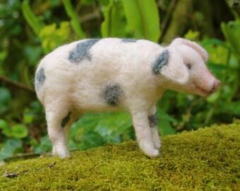 Gloucester Old Spot Piglet - Pig Needle Felting Kit for Beginners