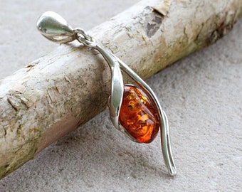 Honey Baltic Amber Pendant/Drop Amber Pendant/Drop honey Amber/ Sterling Silver Chain/ Gemstone Pendant/Baltic amber/Jewelry