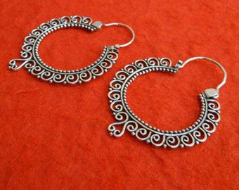 Small Sterling silver hoop Earrings Alluring unique granulation silver technique , handmade silver hoop earrings , jewelry gift for woman ,