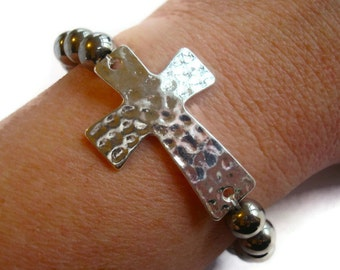 Hammered Cross Beaded Bracelet