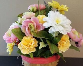 Summer tabletop/ spring tabletop/ centerpiece/flower centerpiece/ summer/ spring