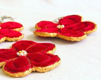 Keyring flower red velvet golden hand crafted unique