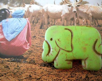 x 1 pendant green Howlite elephant bead.