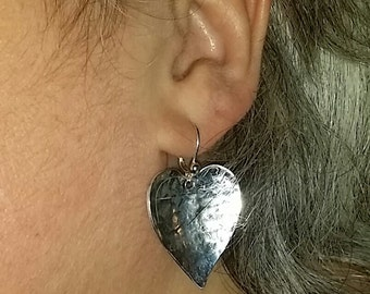 E 33 Handmade by J.C. sterling silver dangle hand hammered heart shaped earrings