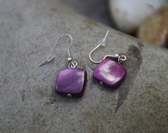 Earrings made of mother of Pearl square