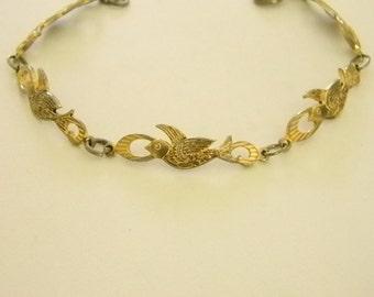 Vintage Gold Tone Dove Bird Bracelet