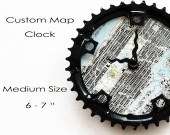 Benutzerdefinierte Karte Fahrrad Uhr - mittlerer Größe |  Topographische Karte Bike Getriebe Uhr