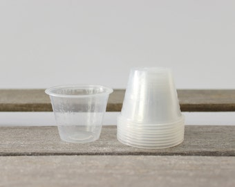 Small Plastic Measuring & Mixing Cup (Lot of 10) - Graduated Measurements, 30ml capacity, Small Batch Mixing Cup, Nail Polish Mixing Cup,