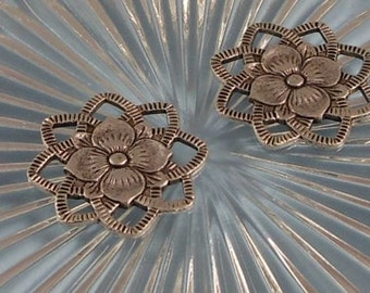 LuxeOrnaments Antique Sterling Silver Plated Brass Filigree Dogwood Flower Multi Loop Connector 22x22mm (2pcs) F-7378-S