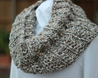 Light Brown Cowl, Tan Chunky Knit Cowl, Chunky Brown Scarf, Cowls Knit with Chunky Yarns, Knitted Cowls, Tan Infinity Scarf