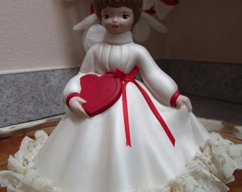Vintage Ceramic Girl / Girl With Heart / Valentine