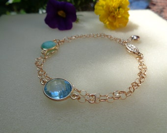 Bracelet gold, delicately worked with Chrysoprase and Blue Topaz, 585 gold filled