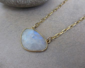 Moonstone Necklace, Gold, Rainbow Moonstone, White Necklace, Irisjewelrydesign