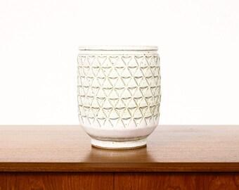 Ceramic Stoneware Planter — Large Delta pattern — White Glaze — P40