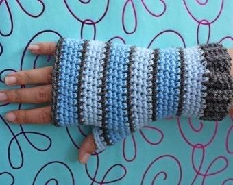 PATTERN - Plain Fingerless Gloves - Free International Shipping