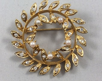Vintage Coro Signed Gold Toned Brooch with Rhinestones and Faux Pearls