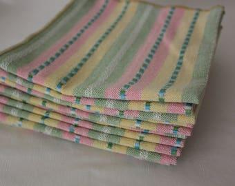 Jeden Tag Servietten in Streifen weiß und Pastell-Farben Pink, grün, blau und gelb (8er-Set und bestehend aus 12)