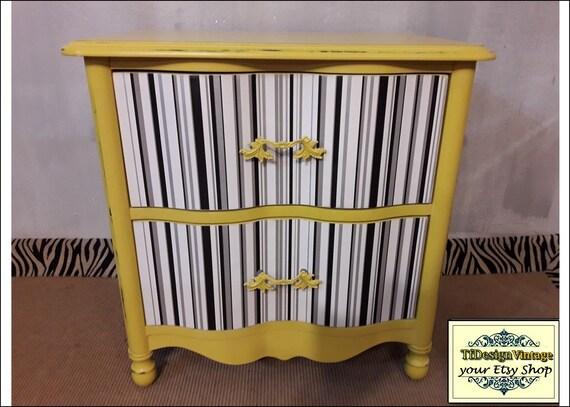 Mesita de noche estilo vintage, Mesita auxiliar amarilla, Mesa auxiliar cajones, Mesa dormitorio amarilla, Mesa amarilla mostaza de madera