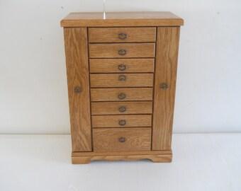 Jewelry box (C) Jewelry case, Jewelry storage