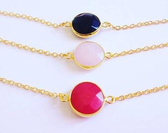 Bracelet fine gold chain and connector gemstone jasper red, pink quartz or onyx black
