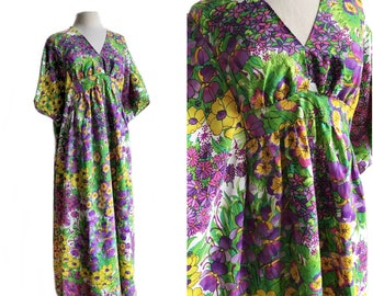 Vintage 70s Floral Caftan Dress/ Miss Elaine/ The Secret Garden maxi dress/ pansies violets hibiscus/ beach dress/ resort fashion