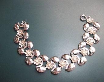Vintage Rhinestone Flower Links Bracelet