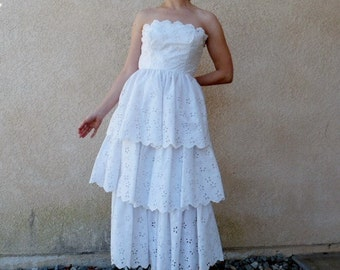 Vintage 1950s Dress Eyelet Strapless FRITZI  Tiered 50s Wedding dress XS/S