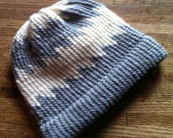 Warm Winter Zigzag Beanie Hat -- Gray and Ivory -- FREE SHIPPING