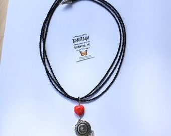 Medallion and hart Necklace with earrings
