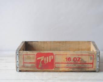 Vintage Seven Up 7UP Beverage Wood Crate Soda Pop 1982 Joyce Beverage