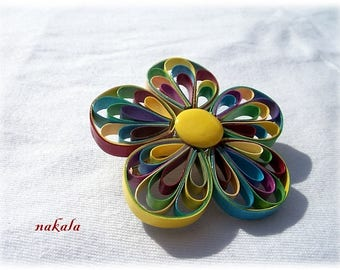 Jewelry Bohemian vintage flower brooch made of varnished and hardened paper