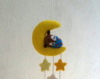 Needle felted owl on the moon  mobile, wool owl ànd moon  sculpture, owl and moon fiber art, waldorf, mobile, gift, nursery, home deco